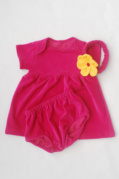 Baby_clothes_-_02_large