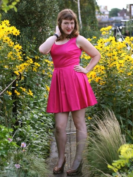 Fuschia_party_dress_-_hip_hair_large