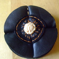 2012_1002sept2012brooches0008_listing