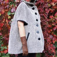 Vogue_8776_cape_8_listing