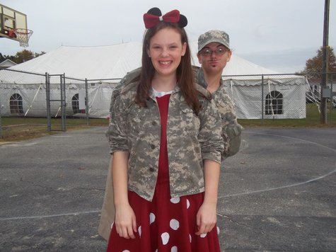 Army_sis_and_minnie_large