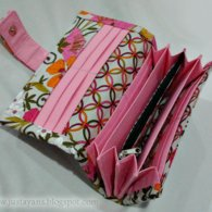 Accordian_wallet_in_tea_garden__listing