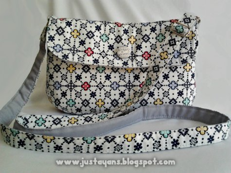Sling_bag_in_charming_copy_large