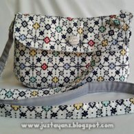 Sling_bag_in_charming_copy_listing