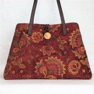 Red_tapesry_tote_bag_listing