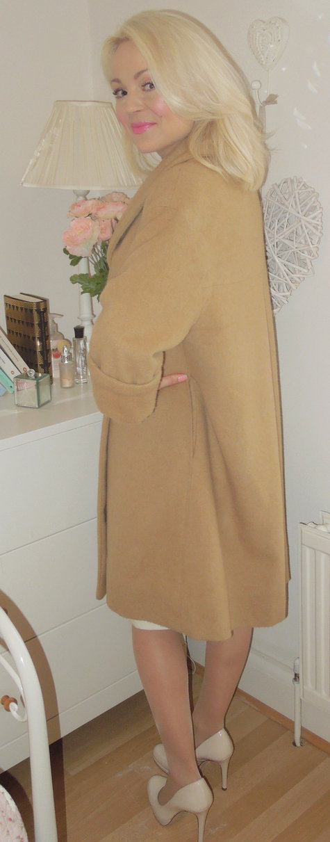 Back-of-camel-coat_large