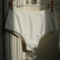 Cheeky_panties_-_white_-_front_listing