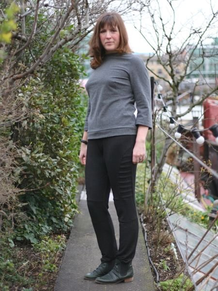 Grey_chic_sweatshirt_leggings_-_full_view_large