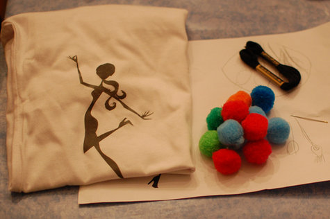 T-shirt-pompoms-diy-tutorial_large