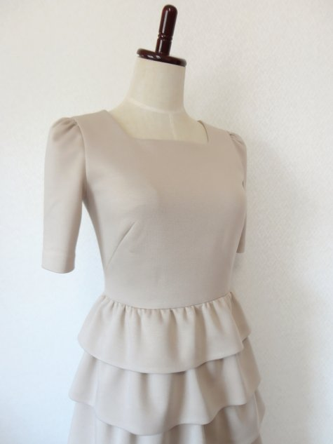 64_ruffle_skirt_dress_02_large
