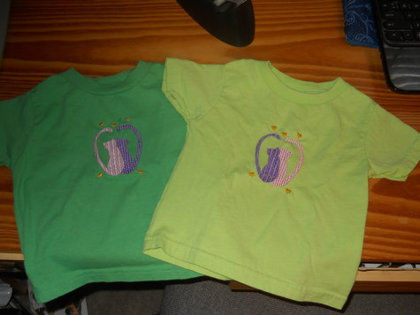 Twins_kitty_emb_shirts_large