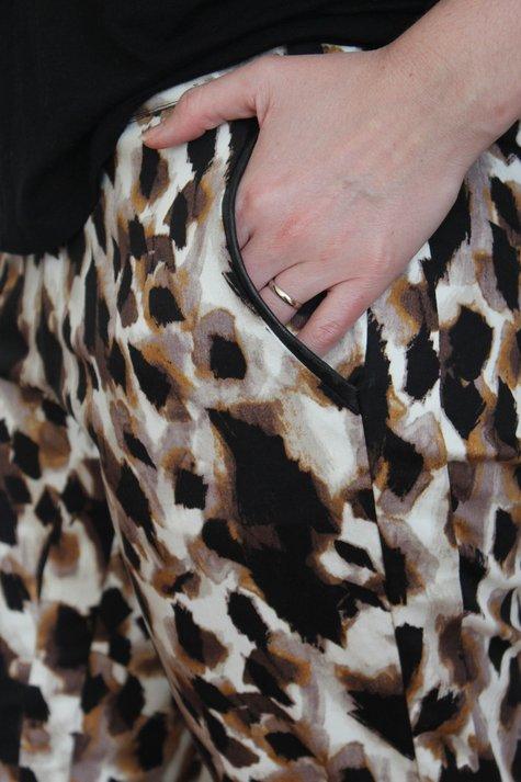 Print-pants-pocketdetail_large