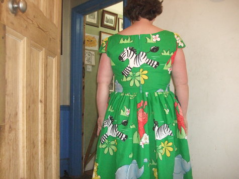 2013_042342013jungledress0008_large