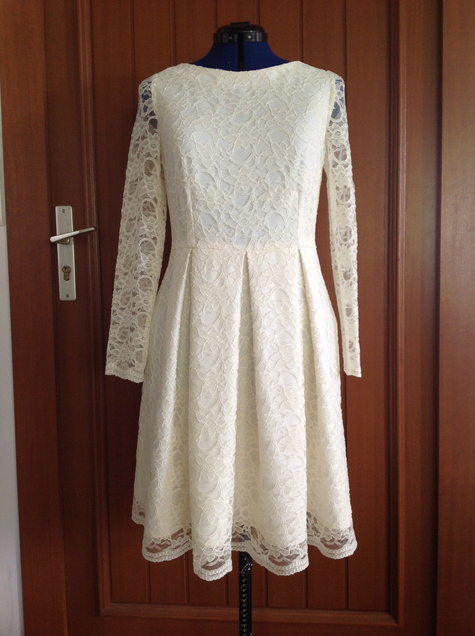 Lace_dress_front_large