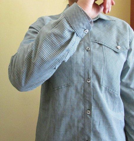 Frontcuffs_greengingshirt1_large