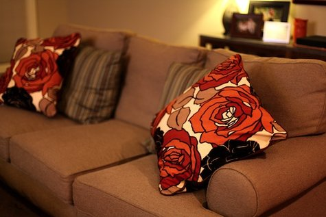 Anagrassia_floral_pillows_large