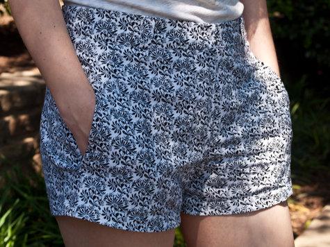 Shorts-5117131_large