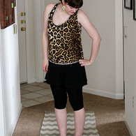 Sweetlittlechickadee_truckstoptop_leopard_may2013_5_listing