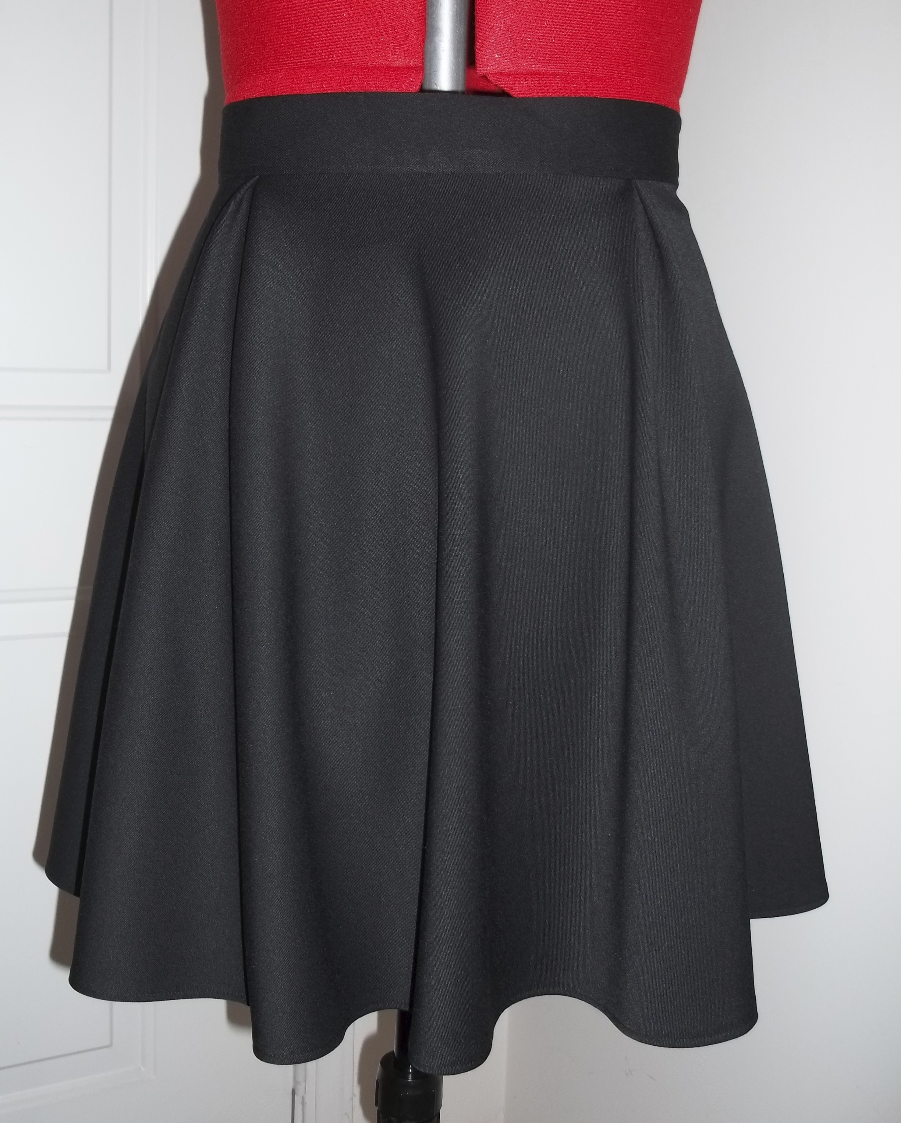 simple black pleated skirt sewing projects burdastyle
