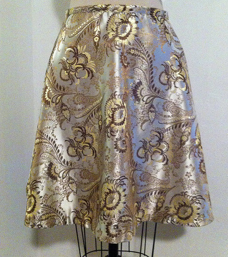 Gold_brocade_skirt_large