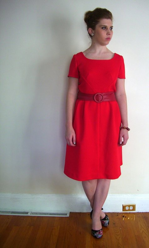 Belle_clara_l_red_60s_dress_c_contrast_large