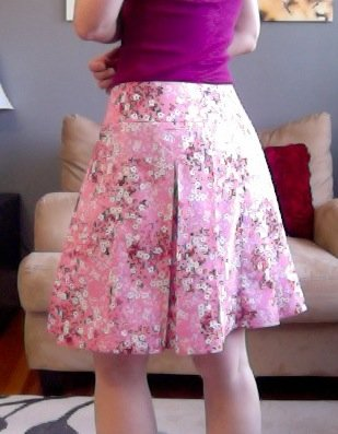 Pink_floral_pleated_skirt_-_butterick_5613_view_c_-_side_view_large