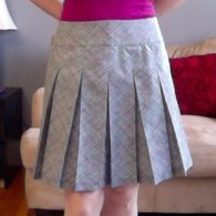 Black_and_white_pleated_skirt_-_butterick_5613_view_c_listing