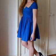 8__henriette_elsine_i_bl_kjole2_listing