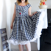 Robe-carreaux-retro-burda-fevrier-2011-6_listing