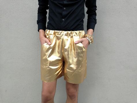 Gold_shorts_deatil_shot__large
