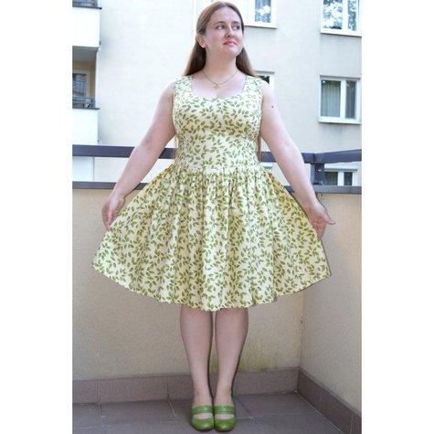 Elfka_kremowa_sukienka_w_delikatne_listki_burda_large