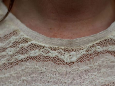 Cream_lace_tee_-_neckline_detail_large