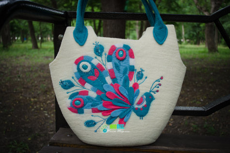 Felt_bag_peacock4_large