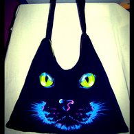 Wide_shot_cat_bag_listing