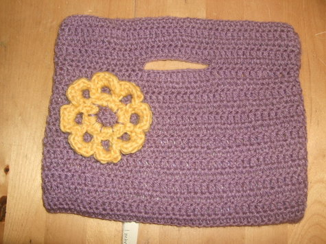 2013_0817813crochetbag0001_large