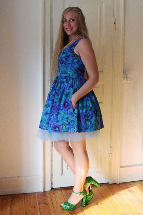 Henriette_elsine_blue_floral3_large