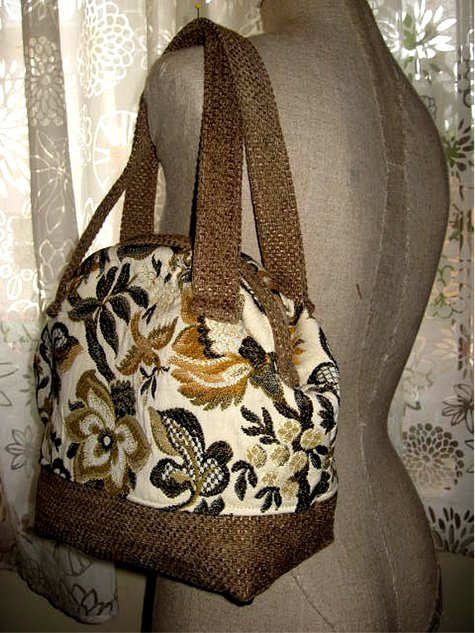 Pursesnapclosure_goldendoves_side_large