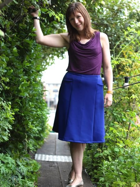 Blue_travel_skirt_-_holding_tree_large