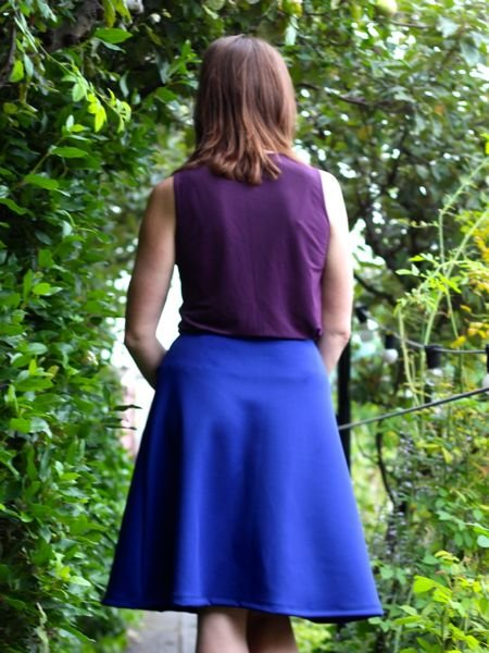 Blue_travel_skirt_-_back_view_closeup_large