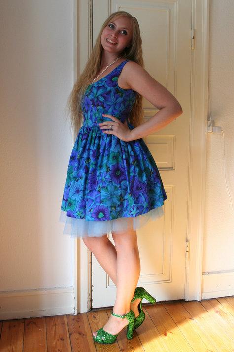 Henriette_elsine_blue_floral1_large