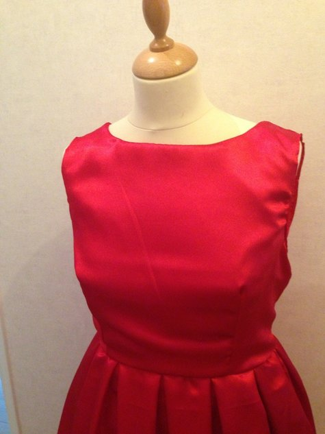 Red_dress_1_large