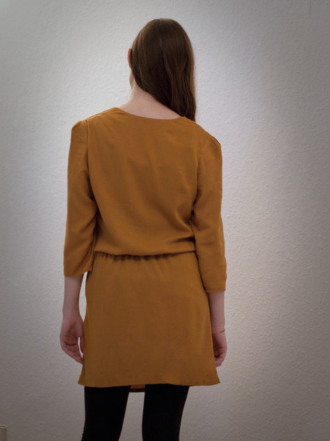 Carameldress_back_large