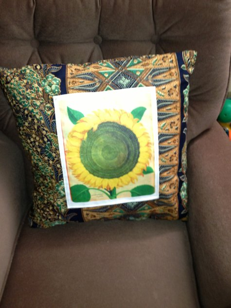Sunflower_pillow_large