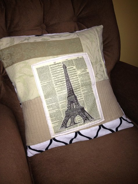 Eiffel_cushion_large