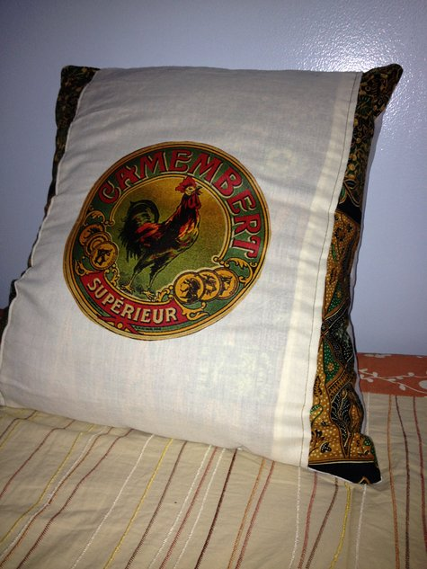 Rooster_cushion_large