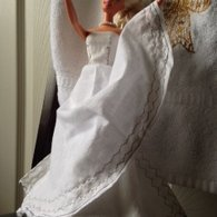 Barbie_favorite_white_wedding_dress_better_view_listing