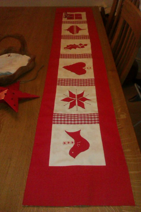 – christmas   Sewing BurdaStyle.com large table Christmas Projects runner table runner