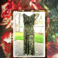 8_10_green_velvet_dress_1_rose_frame_listing