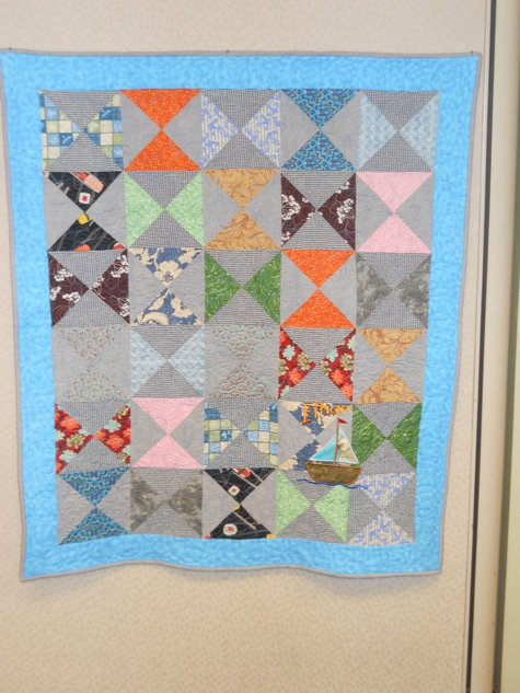 Hourglass_baby_quilt_ethan_large