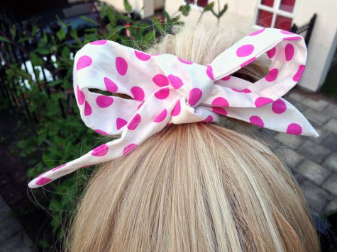 Pink_polka_dot_bow_edit_large